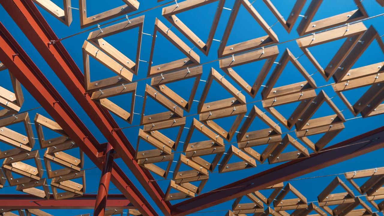 Kalida centre close-up carousel